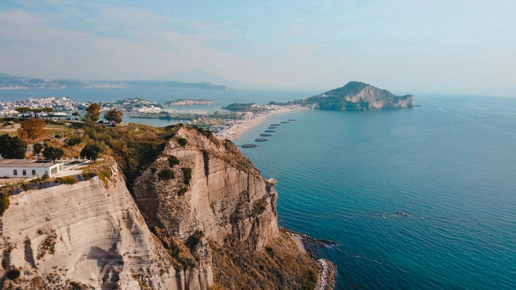 Cosa Vedere a Napoli - La magia dei Campi Flegrei