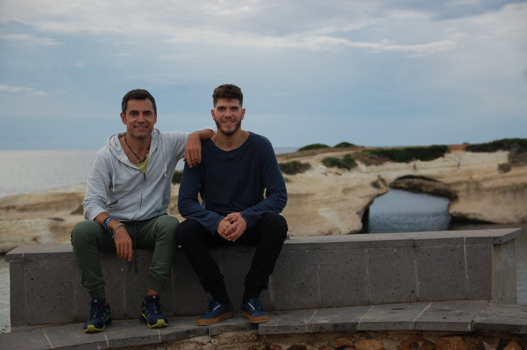 Surf e amicizia. Uno dei tanti momenti condivisi in Sardegna con Luca