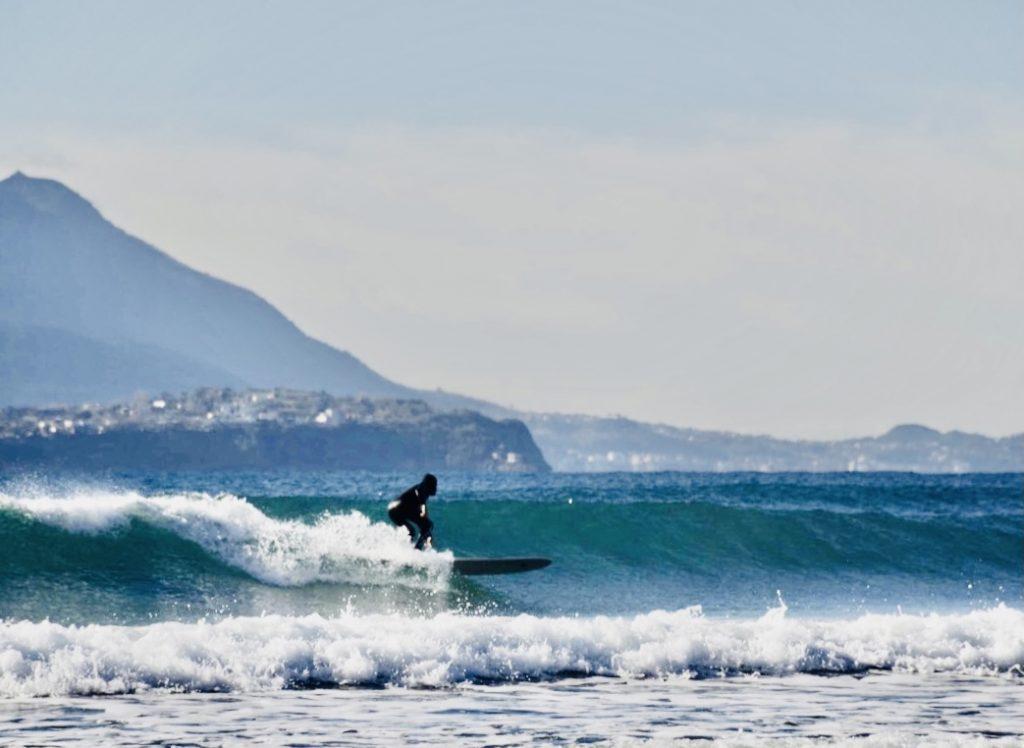 Tra le tante giornate belle di surf a casa - Onde nel Golfo di Napoli
